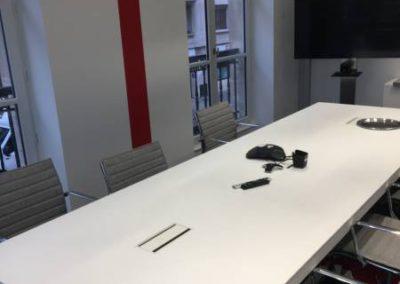 Salle de direction : une salle moderne rappelant les codes Apicil