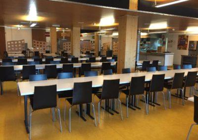 Espace restaurant : une salle au mobilier pratique et confortable