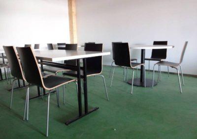 Des tables