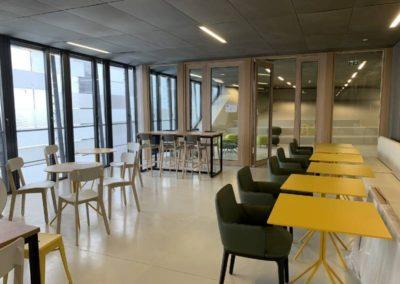 Espace cafétéria : des touches de couleurs pour dynamiser l'espace