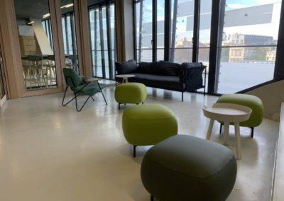 Espace coworking : Des formes et des couleurs variées